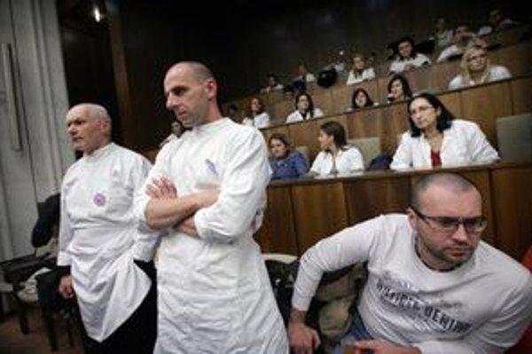 Lekárski odborári.