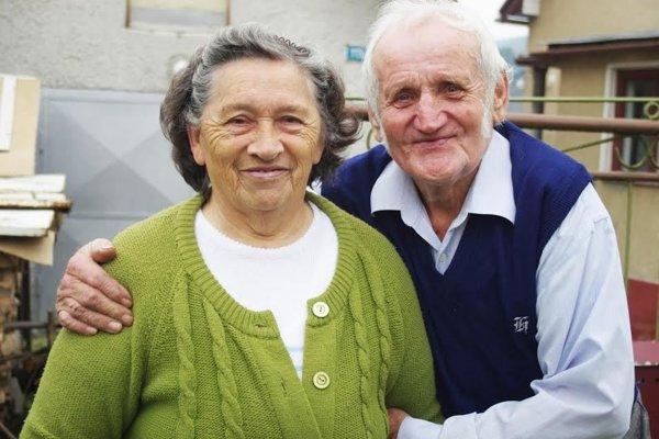 Aj po rokoch majú manželia v očiach stále plamienky.