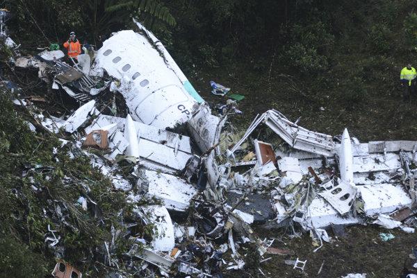 Lietadlo s členmi brazílskeho tímu sa zrútilo pre nedostatok paliva.