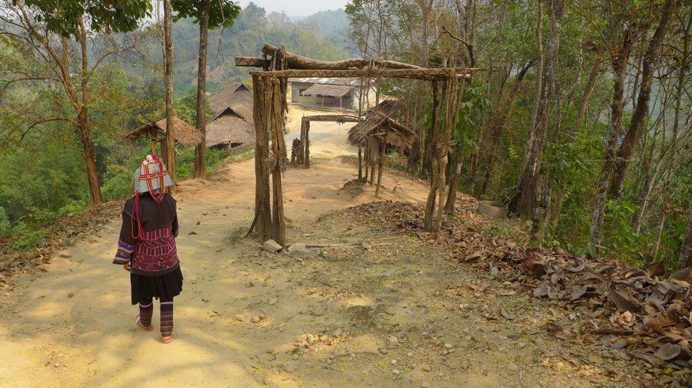 Vstup do dediny kmeňa Akha.
