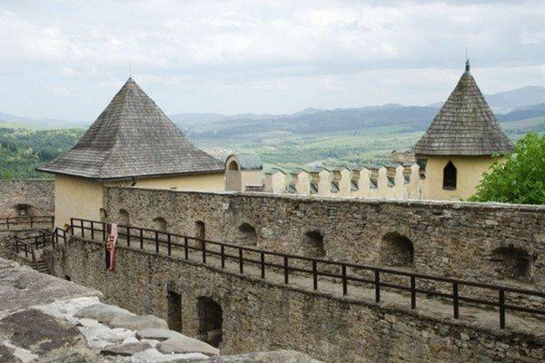 Ľubovniansky hrad. Jeho návštevnosť stúpa.