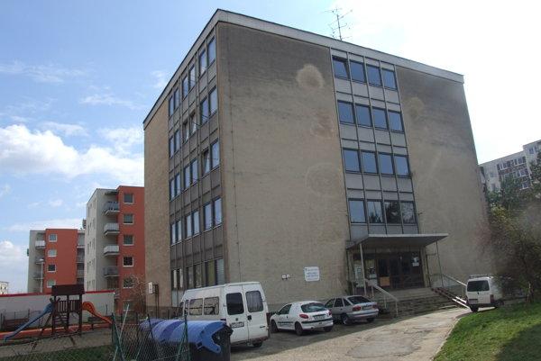 Mestská ubytovňa na Čermáni, ktorú chce mesto prestavať na bytový dom.