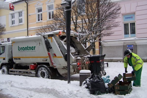 Napriek kalamite, odpad treba zvážať.