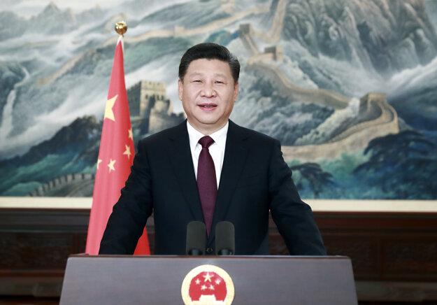 Si Ťin-pching si posilňuje moc.