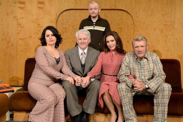 Komédiu Štyria na kanape si v Nitre pozriete v Aule UKF 6. februára o 19. h.