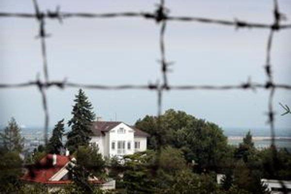 Prezidentská vila v luxusnej štvrti Bratislavy je pustá.
