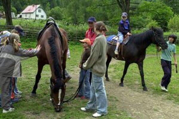 Hlavne deti z mesta trávia rady výlety v prírode.