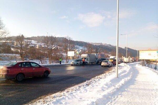 Súčasné počasie si vyžiadalo na Kysuciach viaceré dopravné nehody.