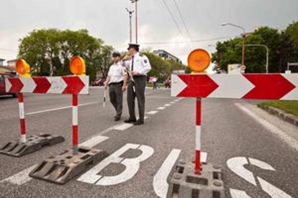 Proti fanúšikovi zakročila polícia.