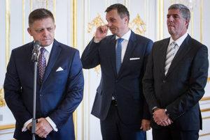 Predseda SNS Andrej Danko, predseda Smeru Robert Fico a predseda Most-Híd Béla Bugár.