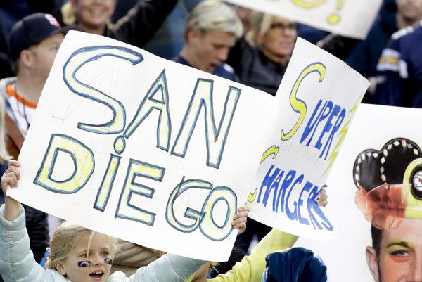 Tím zámorskej súťaže amerického futbalu NFL San Diego Chargers sa presťahuje do Los Angeles.
