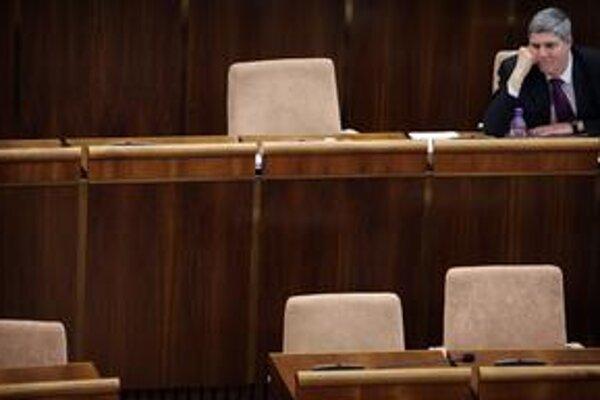 Parlament bude možno istý čas zablokovaný. Most Bélu Bugára nebude hlasovať za koaličné návrhy, kým sa partneri nedohodnú na zmene zákona o štátnom občianstve.