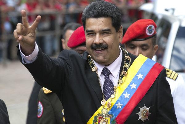 Venezuelský prezident Nicolas Maduro zvýšil Venezuelčanom platy.