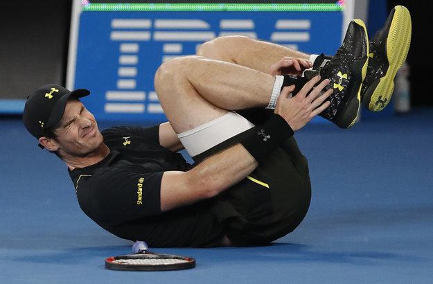 Andy Murray si nechal ošetriť členok.