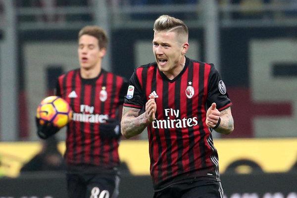 Novými nákupmi by Juraj Kucka mohol prísť o miesto v základnej zostave AC Miláno.