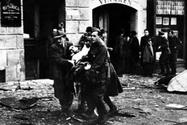 Slovenské národné povstanie vypuklo 29. augusta 1944 po tom, čo začala nemecká armáda, ktorá sa obávala destabilizácie situácie na Slovensku, obsadzovať krajinu.