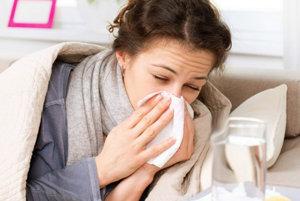 Chrípka začína náhle a zväčša sa objavuje v epidémiách.