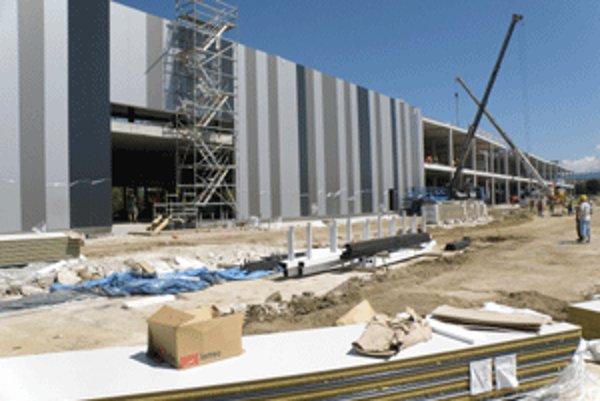 Približne o tri a pol mesiaca by malo byť obchodné centrum Korzo dokončené.