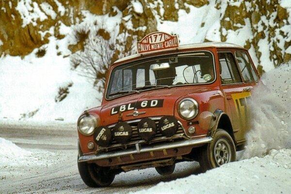 Aaltonen vyhral Rely Monte Carlo v roku 1967 s vozidlom Mini Cooper S
