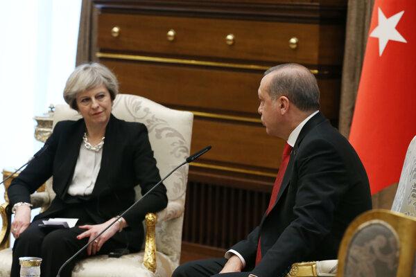Britská premiérka Theresa Mayová navštívila tureckého prezidenta Recepa Tayyipa Erdogana.