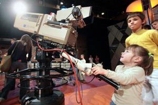 Deti sa majú naučiť vidieť do médií.
