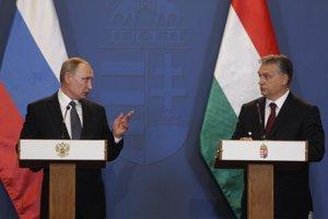Vladimir Putin (vľavo) a Viktor Orbán.