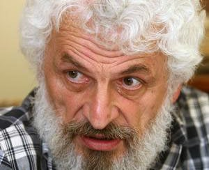 Fedor Gál sa narodil 20. marca 1945 v koncentračnom tábore v Terezíne. Vyštudoval vysokú chemickú v Bratislave, má doktorát vied z ekonomiky. Vystriedal niekoľko zamestnaní. V roku 1989 bol hlavným lídrom hnutia VPN, po rozpade Česko-Slovenska sa presťaho