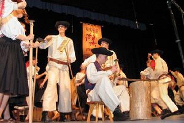 Známy folklórny súbor Vtáčnik oslávi štyridsať rokov.