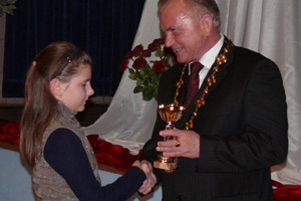Najvýraznejšie športové úspechy spomedzi Bojničanov v roku 2009 dosiahla šachistka Veronika Gažíková.