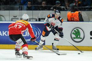Do tímu sa pripojil aj Andrej Šťastný (vpravo).