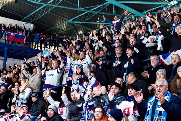 Fanúšikovia hokeja v Nitre nesklamali. Reprezentanti Slovenska mali pod Zoborom prajné prostredie, ktoré si pochvaľovali.