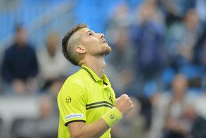 Martin Kližan úspešne pokračuje na ceste za obhajobou titulu.