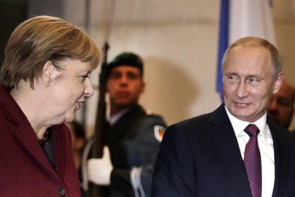 Nemecká kancelárka Angela Merkelová (vľavo) a ruský prezident Vladimir Putin.