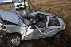 Nehoda mala tragické následky. Bábätku nepomohol ani prevoz vrtuľníkom do nemocnice v Banskej Bystrici.
