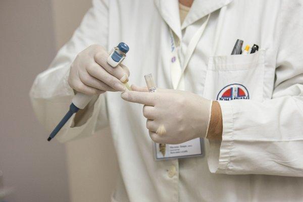 Reumatológovia si 1. júna vyzlečú biele plášte.