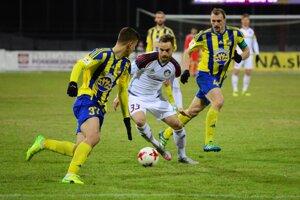 Pred týždňom futbalisti Dunajskej Stredy v prvom zápase jarnej časti remizovali 0:0 na ihrisku Podbrezovej.