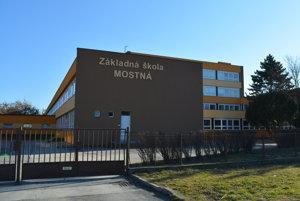 Zastupiteľstvo schválilo zámer participovať na výzve Slovenského zväzu ľadového hokeja. Na Mostnej by tak mohlo vyrásť nové multifunkčné športové centrum.
