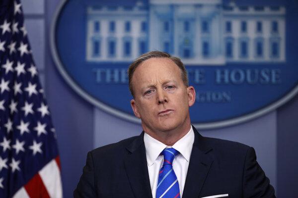 Hovorca Bieleho domu Sean Spicer.