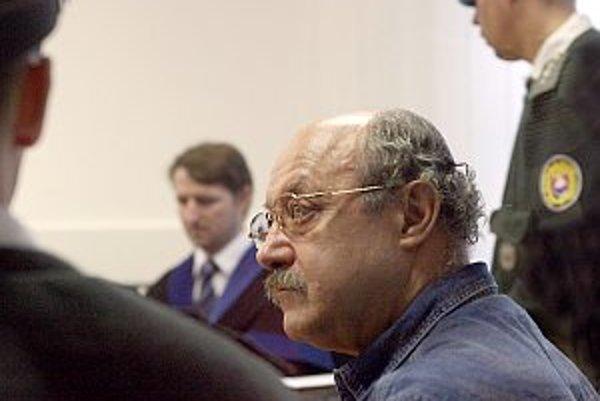 Pojednávanie s Frunim na Špeciálnom súde v Pezinku.
