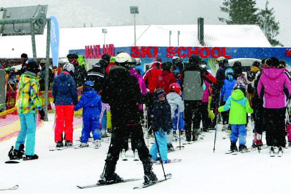 Počas lyžiarskych kurzov sú strediská solídne vyťažené.