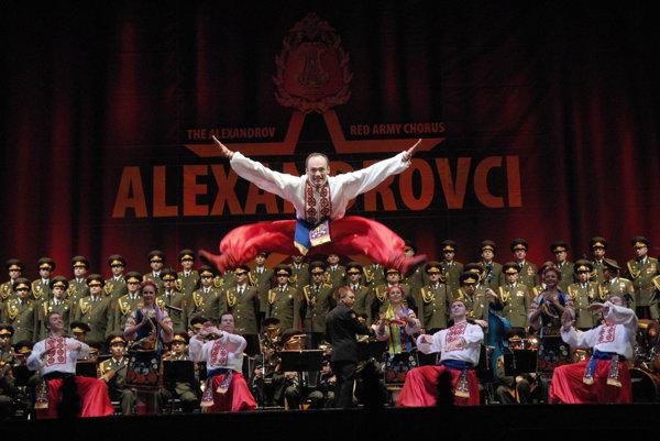 Alexandrovci sú aj tanec. Ich vystúpenia sú kombinácia rôznych umení.