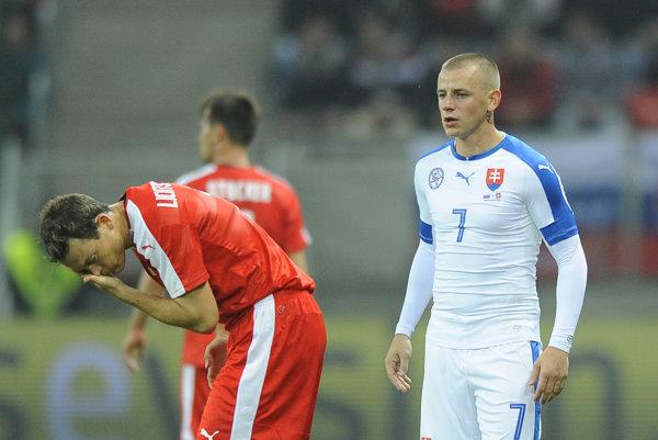 Vladimír Weiss (vpravo) vypadol po incidente aj zo slovenskej reprezentácie.
