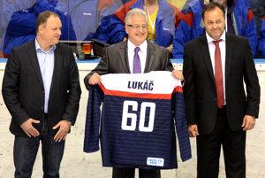 Vincent Lukáč (v strede) - ilustračná fotografia.