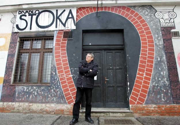 Exemplárnym slovenským prípadom genia loci bolo divadlo Stoka – lúčilo sa s ním najťažšie práve v časoch, keď miest živej kultúry v Bratislave fungovalo najmenej.