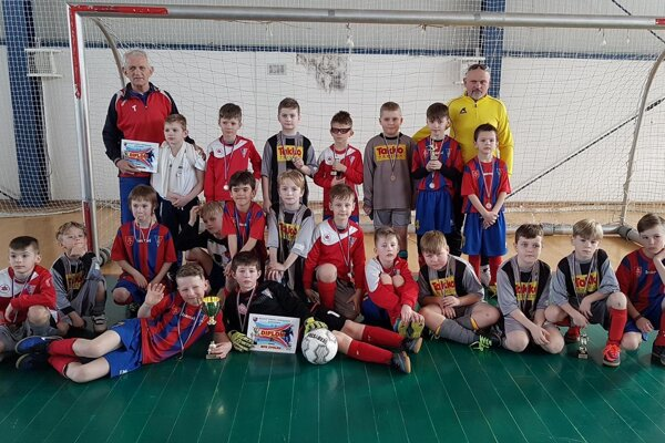 Mladé zvolenské futbalové nádeje po turnaji v Badíne