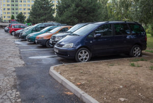 Parkovacie miesta na Krivej. Patrili kprvým zo 68, ktoré EEI doteraz vybudovala vrezidentských lokalitách.