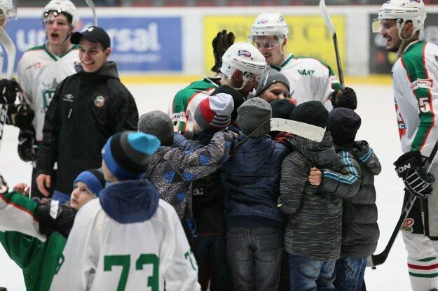 Práve takéto okamihy dávajú deťom ten najlepší impulz, prečo sa rozhodnúť pre hokej.