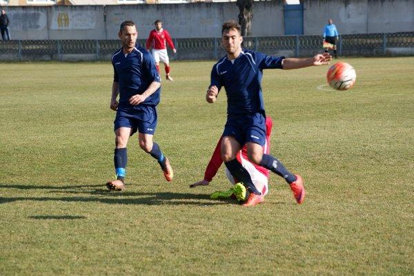 Adrián Candrák (vľavo) strelil jediný gól stretnutia.