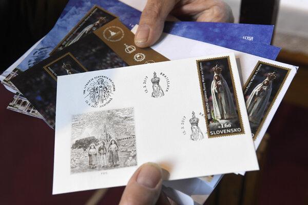 Inaugurácia poštovej známky v Kaplnke Panny Márie Fatimskej v Trenčianskej Závade.