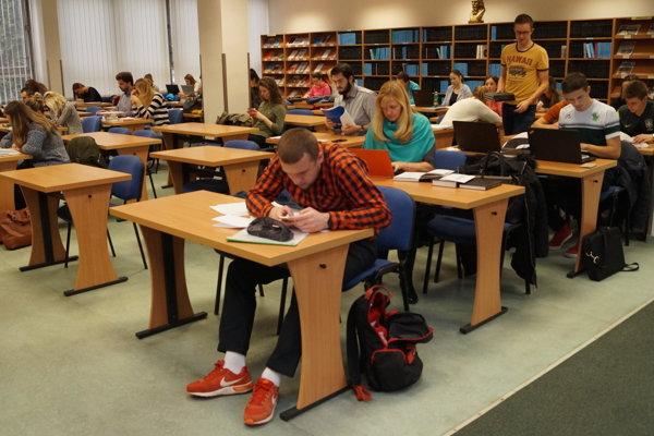 V Univerzitnej knižnici Prešovskej univerzity.